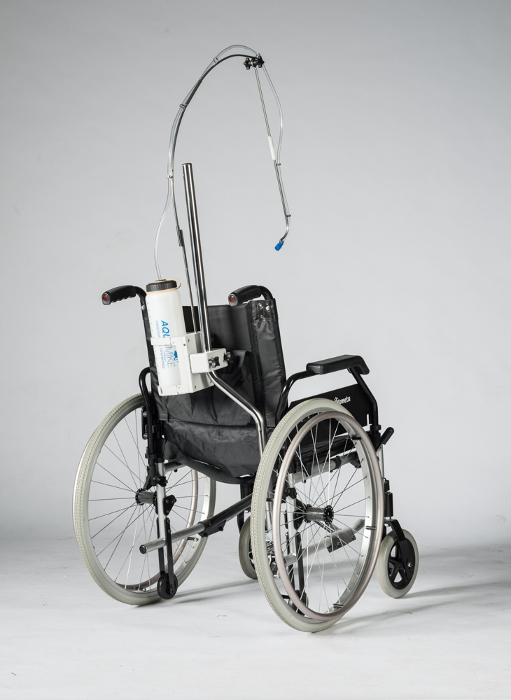 Aquamike montato su sedia a rotelle